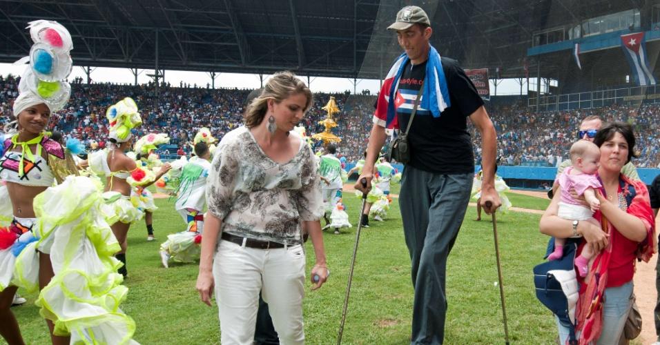 20.mai.2012 - Com 2,51 metros, o turco Sultan Kosen ganhou o recorde do Guinness e o título do homem mais alto do mundo. O crescimento dele é resultado de um tumor