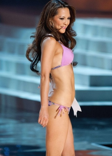 31.mai.2012 - Participantes do Miss Universo EUA 2012 desfilam em Las Vegas, &#224;s v&#233;speras da final do concurso, que ser&#225; realizada no domingo (3)