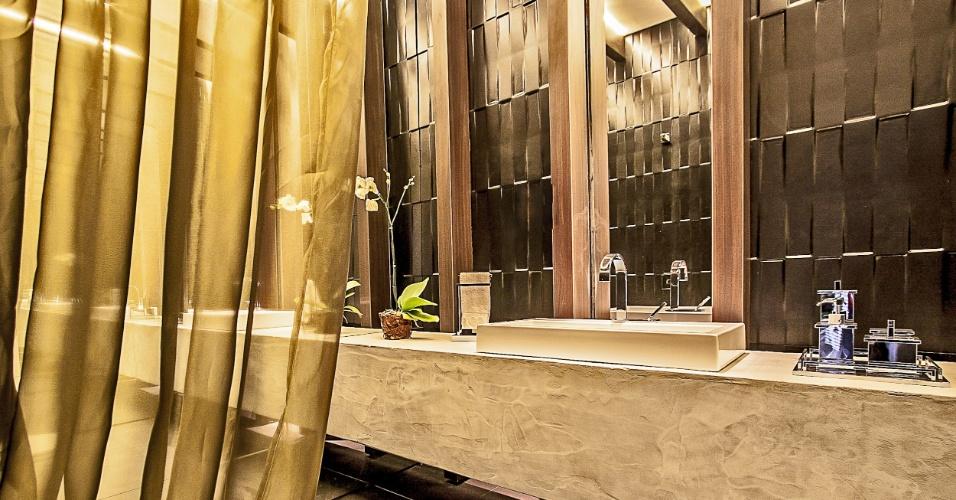 As arquitetas e urbanistas Luiza Saad Francisco e Stella de Barros Ribeiro projetaram o Lavabo Social. No ambiente, destaque para os painéis feitos - em parte - por resina originada da reciclagem de garrafas pet