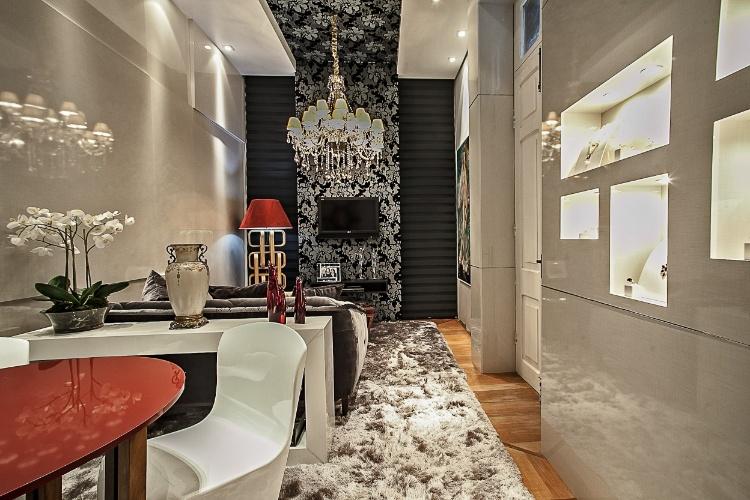"""As designers de interiores Liliane Barreiros, Rosangela Pauli e Carla Armstrong criaram o Home Office da Casa Cor PR. Na decoração, destaque para a releitura de """"O Nascimento de Vênus"""", de Botticelli"""
