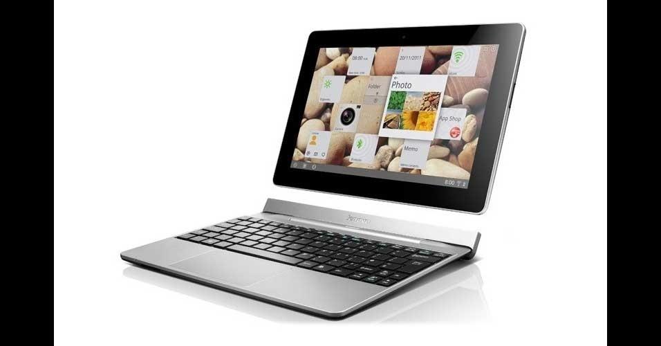9.jan.2012 - Surge um novo concorrente para o Asus Transformer: a Lenovo apresentou o Idea Tab S2, um tablet que também possui teclado destacável, além de garantir bateria extra. Com Android 4.0, o tablet é dual-core e tem tela de 10''