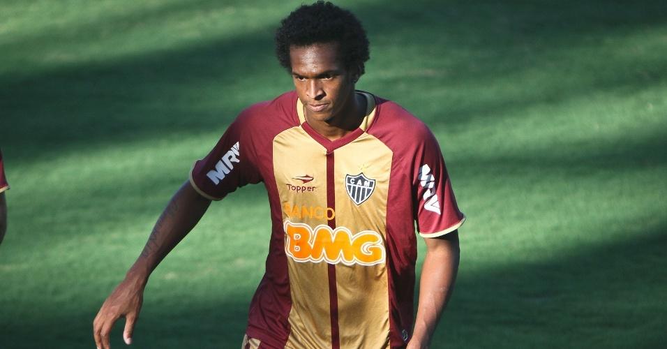 Jô durante treinamento do Atlético-MG na Cidade do galo (31/5/2012)