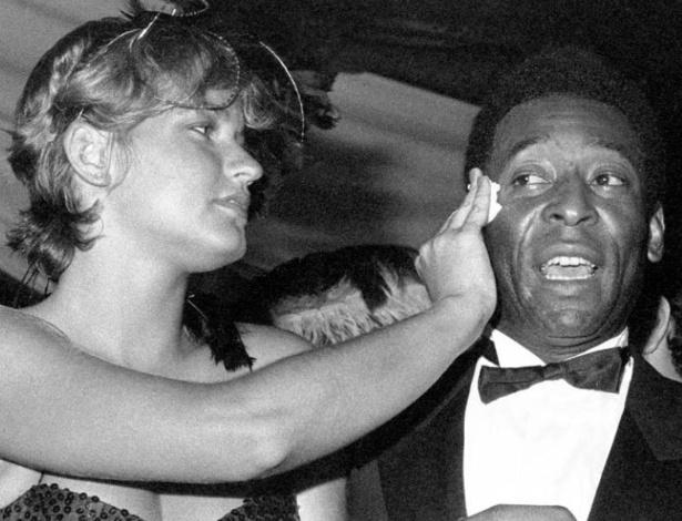 O rei do futebol Pelé já teve como consorte a rainha dos baixinhos Xuxa