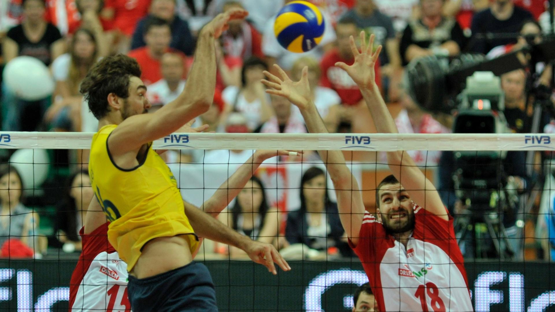 Bloqueio polonês interrompe ataque brasileiro; jogada rival funcionou