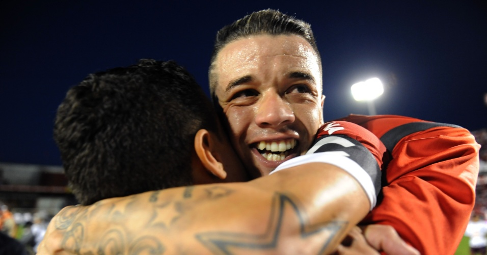 D'Alessandro comemora título do Campeonato Gaúcho 2012 após vitória ante o Caxias (arquivo)