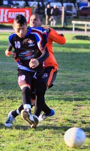 Pedreira (azul e preto) venceu o Canchinha na final da Copa Kaiser P. Alegre (03/06/12)