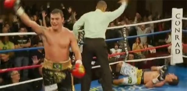 Popó venceu Michael Oliveira por nocaute em sua despedida dos ringues