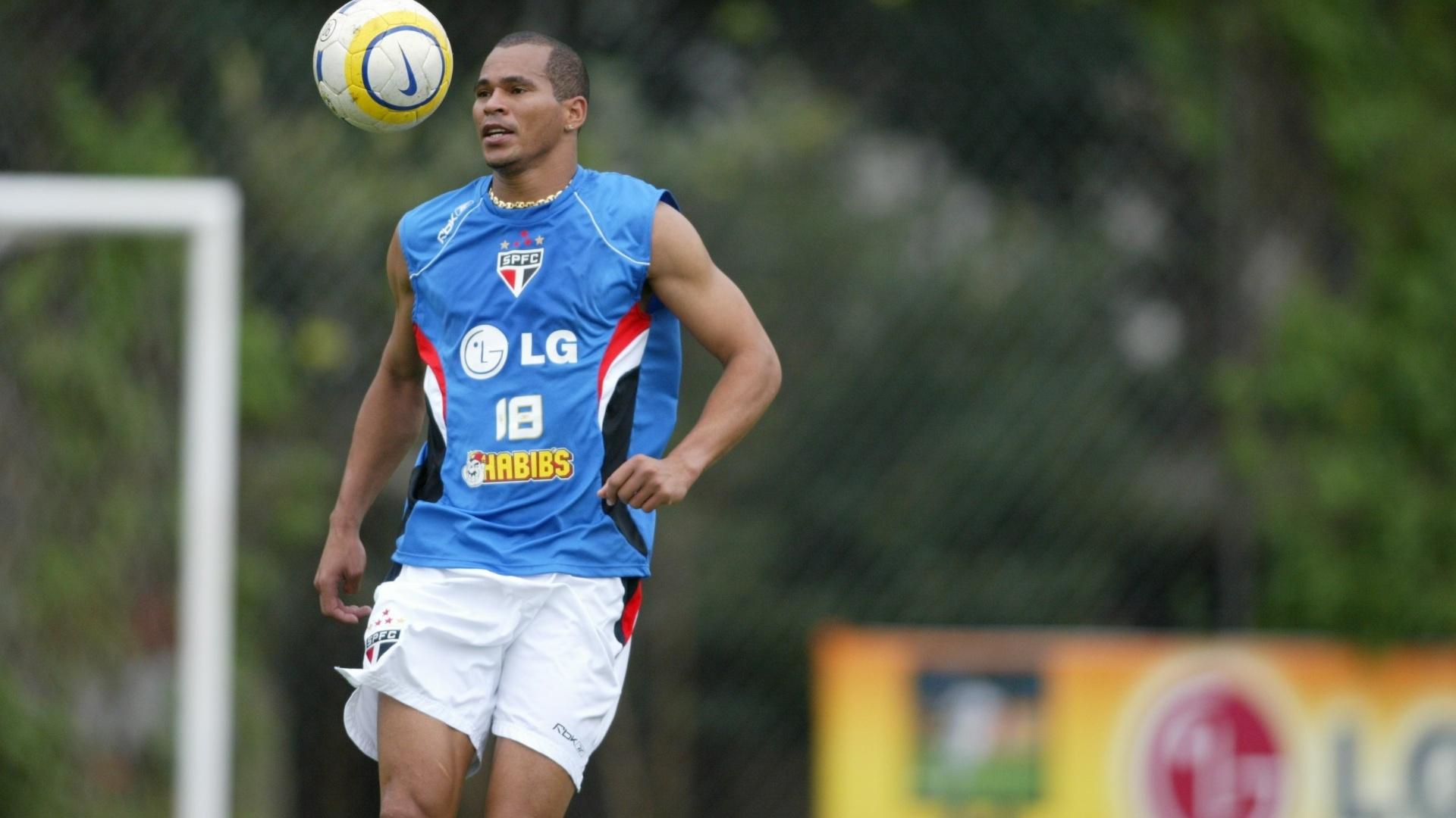 Aloísio Chulapa treina pelo São Paulo