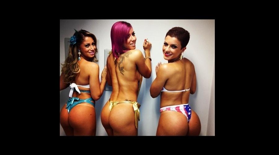"""Carol Narizinho, Thaís Bianca e Babi Rossi, as panicats do """"Pânico na Band"""", posaram exibindo os bumbuns (4/6/12)"""