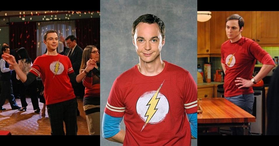"""Sheldon Cooper, personagem interpretado por Jim Parsons na série norte-americana """"The Big Bang Theory"""", é um nerd extremamente inteligente e com temperamento arrogante. Seu figurino é colorido e composto pela sobreposição de uma camiseta estampada sobre outra de manga longa, geralmente em outra cor, calça neutra, tênis marrom e relógio com pulseira de couro"""