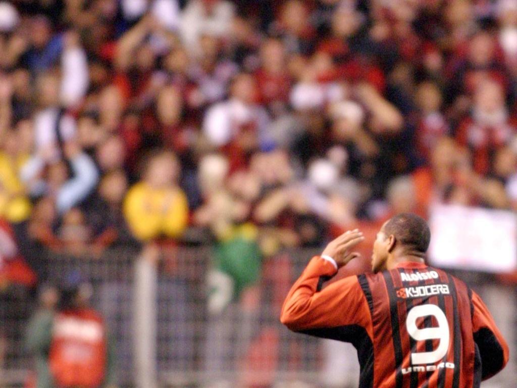 Aloisio comemora seu gol durante a disputa da Copa Libertadores de 2005 pelo Atlético-PR