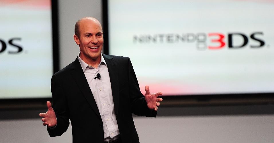 O vice-presidente de vendas da Nintendo da América Scott Moffitt apresenta os novos jogos da gigante japonesa para o 3DS