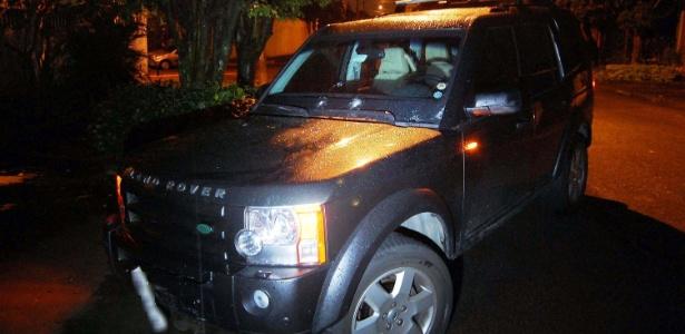 Land Rover usada para perseguir assaltantes no bairro do Socorro, zona Sul de São Paulo