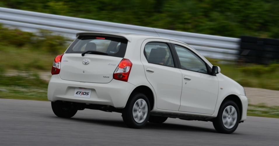 A Toyota também quer medir forças com VW Gol e Fiat Palio; Etios será feito em Sorocaba (SP)
