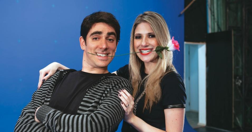 Marcelo Adnet e Dani Calabresa em cena romântica; casal está junto há cinco anos