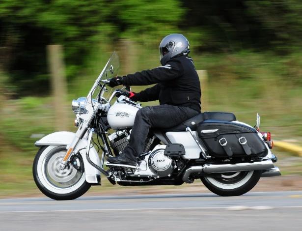 Harley-Davidson Road King Classic 2012 teve melhorias no motor para chegar a 1.700cc
