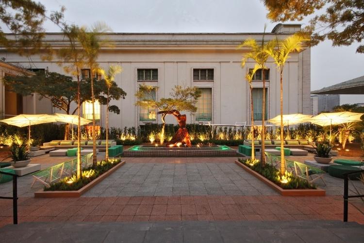Projeto Paisagismo: Praça Casa Cor, assinada por Eduardo Fernandez Mera e Beatriz Fernandez Mera, para a edição paulistana da mostra em 2012