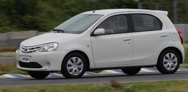 Toyota Etios hatch: modelo na carroceria dois-volumes tem apenas 3,78 m e visual moderno