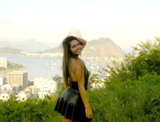 Carolina Portaluppi, filha do técnico Renato Gaúcho, pediu dois apartamentos ao pai para não posar nua