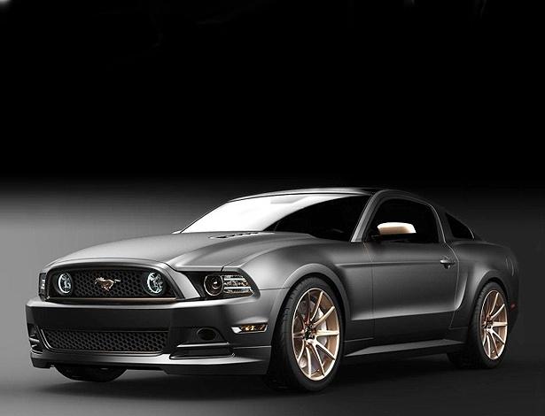 Mustang GT High Gear Concept: rodas, logo, friso e detalhes em ouro rosa e LEDs azulados
