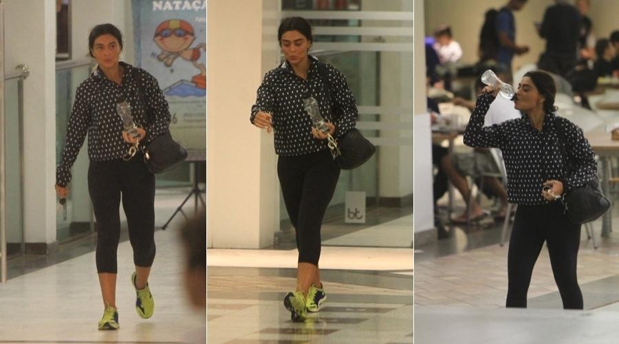 Juliana Paes se exercitou em uma academia da Barra da Tijuca, zona oeste do Rio (7/6/12)