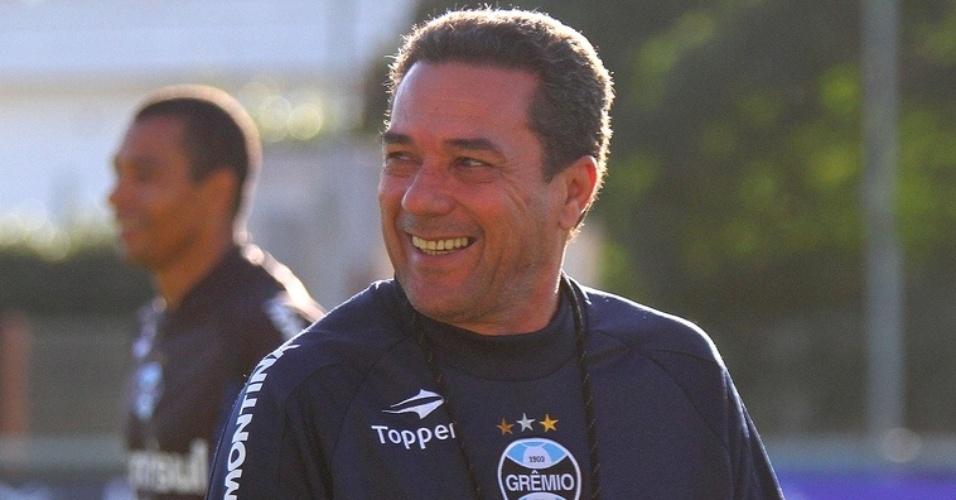 Técnico Vanderlei Luxemburgo em treino do Grêmio no estádio Olímpico (14/05/2012)