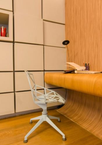 Leonardo Di Caprio assina a suíte em homenagem à atriz Christiane Torloni. O ambiente elaborado como um quarto de um hotel design conta com um banheiro SPA. Destaque para o assoalho que reveste o espaço e dá forma a alguns móveis