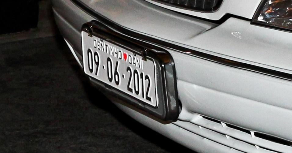Detalhe da placa da limousine em que Dentinho chegou ao seu casamento com Dani Souza na Casa Petra Moema, em São Paulo (9/6/2012)