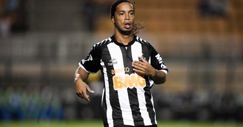 Ronaldinho Gaúcho em sua estreia pelo Atlético-MG contra o Palmeiras no Pacaembu