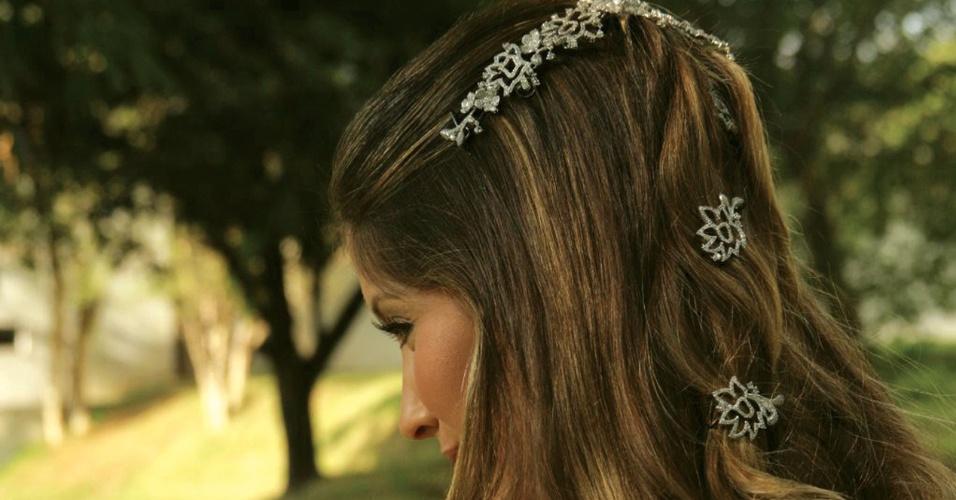 Tiara de brilhantes com detalhes da Talento Joias (www.talentojoias.com.br)