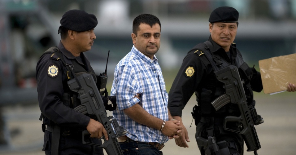 10.jun.2012 -  Pol&#237;cia da Guatemala prende o traficante mexicano  El Zope