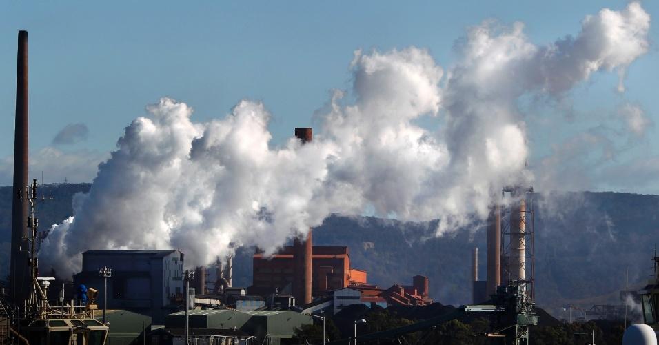 A foto é de uma siderúrgica em Sidney, uma das 500 empresas mais poluidoras do país