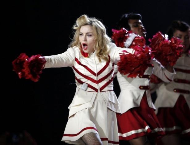 """Madonna durante show da turnê """"MDNA"""" em Estambul, na Turquia (7/6/12)"""