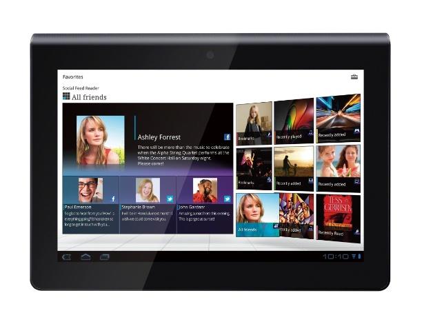 No Brasil, o Sony Tablet vem com tela de 9,4 polegadas, 32 GB de armazenamento, conectividade Wi-Fi e câmera traseira de 5.1 megapixels (e frontal VGA)