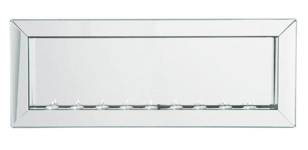 Uma estratégia eficaz para dar maior amplitude a um cômodo é usar o espelho horizontal. Esse modelo, que conta com suporte para velas e mede 0,35 m x 0,91 m, pode ser encontrado na Kare (www.kare-saopaulo.com.br). Custa R$ 1.300