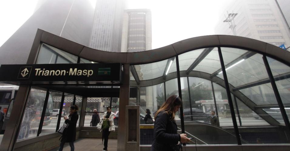 12.jun.2012 - Neblina na avenida Paulista, região central de SP