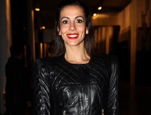 Atriz Tania Khalil no primeiro dia de desfile da SPFW 2013 (11/6/12)