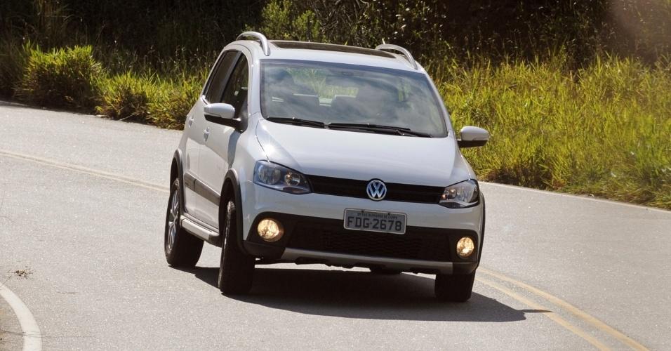 """Compacto """"altinho"""" e aventureiro, Volkswagen CrossFox ganhou opção de câmbio automatizado (I-Motion)"""
