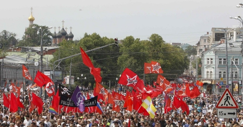 Mais de 10.000 manifestantes contra Putin em Moscou