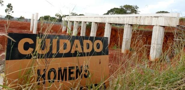 Obra do VLT em Brasília chegou a ser iniciada, mas foi paralisada por irregularidades