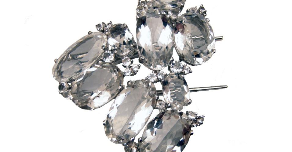 Pente em prata com quartzo incolor da joalheria LaSpiniella (www.laspiniella.com.br). O aluguel da peça sai por R$ 747. Preço pesquisado em junho de 2012 e sujeito a alterações
