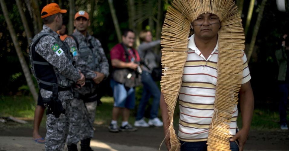 12.mai.2012 - ndio chega em Jacarepaguá para evento paralelo à Rio+20