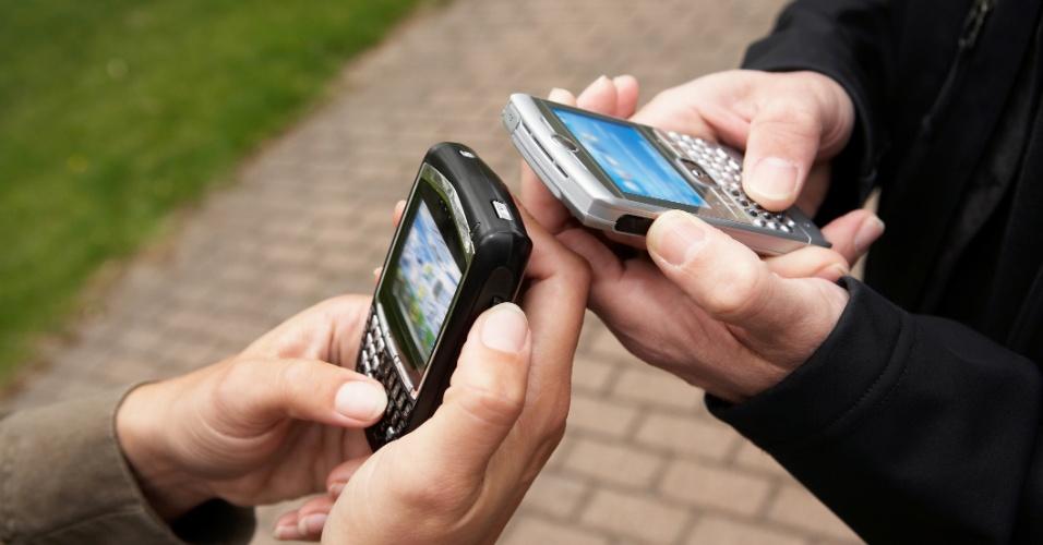 Bateria do smartphone pode durar mais com ajustes simples; saiba como