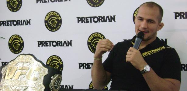 Cigano: 'torcida quer saber quem é o verdadeiro campeão, não um campeão falso'