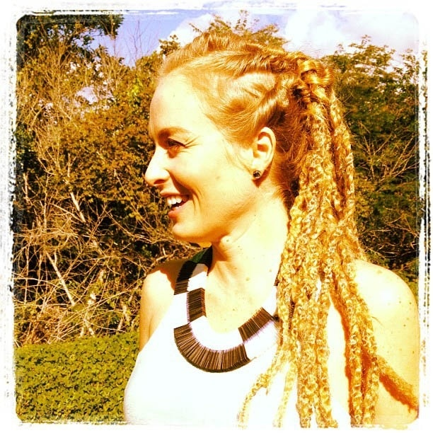 No Instagram, Ang&#233;lica divulga foto usando dreadlocks (13/6/2012)
