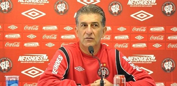 Ricardo Drubscki, novo técnico do Atlético-PR, fala em entrevista coletiva (13/06/2012)
