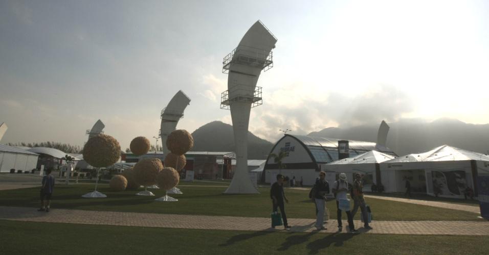 13.jun.2012 - Fim de tarde no primeiro dia da Rio+20 no Parque dos Atletas, área de exposições da conferência