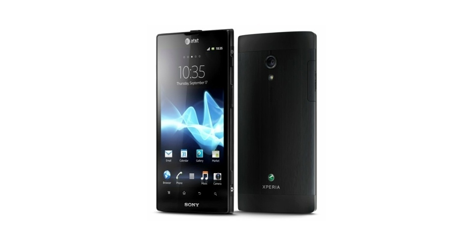 14.jun.2012 - O Sony Xperia Ion ser&#225; vendido em junho nos Estados Unidos por US$ 99 (cerca de R$ 200), atrelado a um contrato de dois anos com a operadora AT&amp;T. Isso torna o smartphone mais barato no mercado americano que concorrentes de peso, como o iPhone 4S e o Galaxy S III. O Xperia Ion possui tela de 4,5??, processador dual core de 1,5 Ghz e c&#226;mera traseira de 12 megapixels, al&#233;m de pesar 144g e usar Android Gingerbread (com atualiza&#231;&#227;o prevista para o Ice Cream Sandwich)