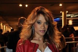 Thriller Live no Brasil (Atualização pág. 4) - Página 2 A-atriz-leilah-moreno-confere-o-quarto-dia-de-desfiles-na-sao-paulo-fashion-week-14612-1339709712492_300x200