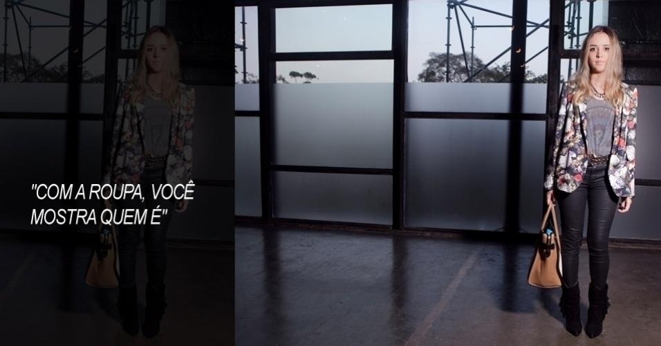 A estilista Cecília Tavares, 25, foi ao segundo dia do SPFW usando blazer e calça Zara, camiseta H&M,  bota e cinto Santa Lolla, colar Forever 21 e bolsa Céline (12/06/2012)